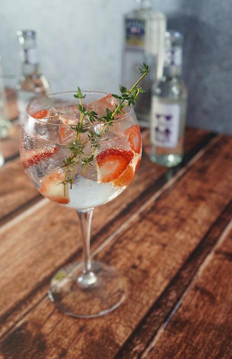 Gin drink med jordbær